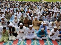 Muslims worshipping Allah. Photo by EPA-EFE