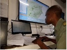 A game ranger looking at the Data Analysis System (DAS) checking on the movement of game rangers. Photo, Kumbulani Tauranda, Lowveld Post (Pvt) Ltd