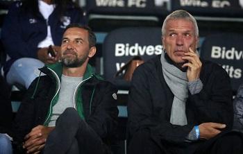 German coaches Ernst Middendorp, Josef Zinnbauer stare each other. Photo by Muzi Ntombela/BackpagePix